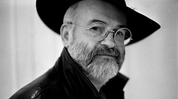 Daughter: Late Terry Pratchett Was Not Anti-Trans