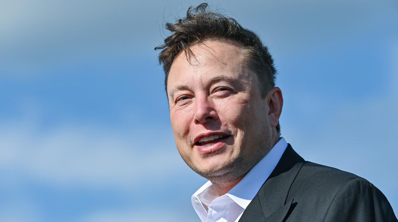 Elon Musk Says Walter Isaacson Is Writing His Bio