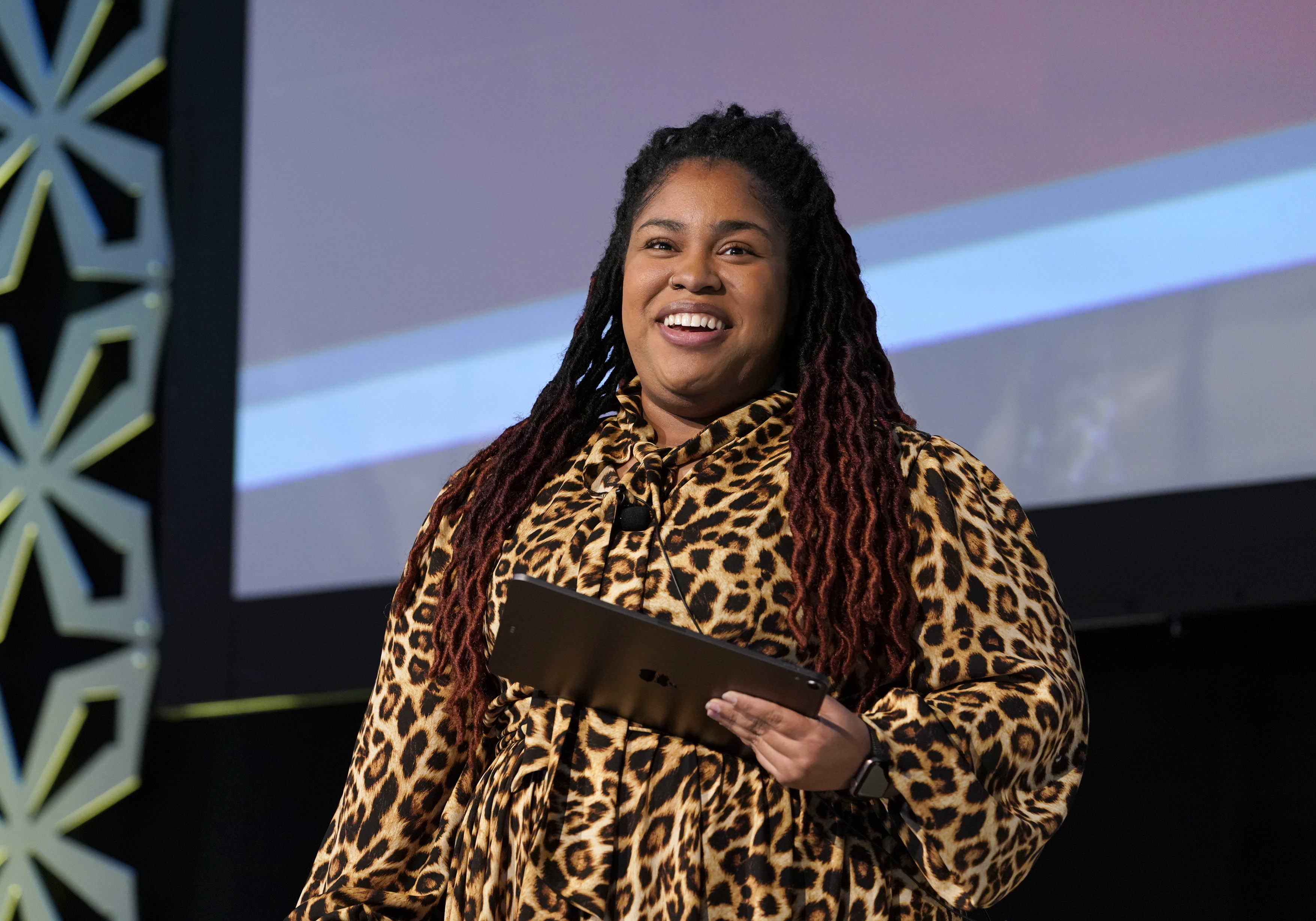 Angie Thomas Sponsors New Writing Scholarship