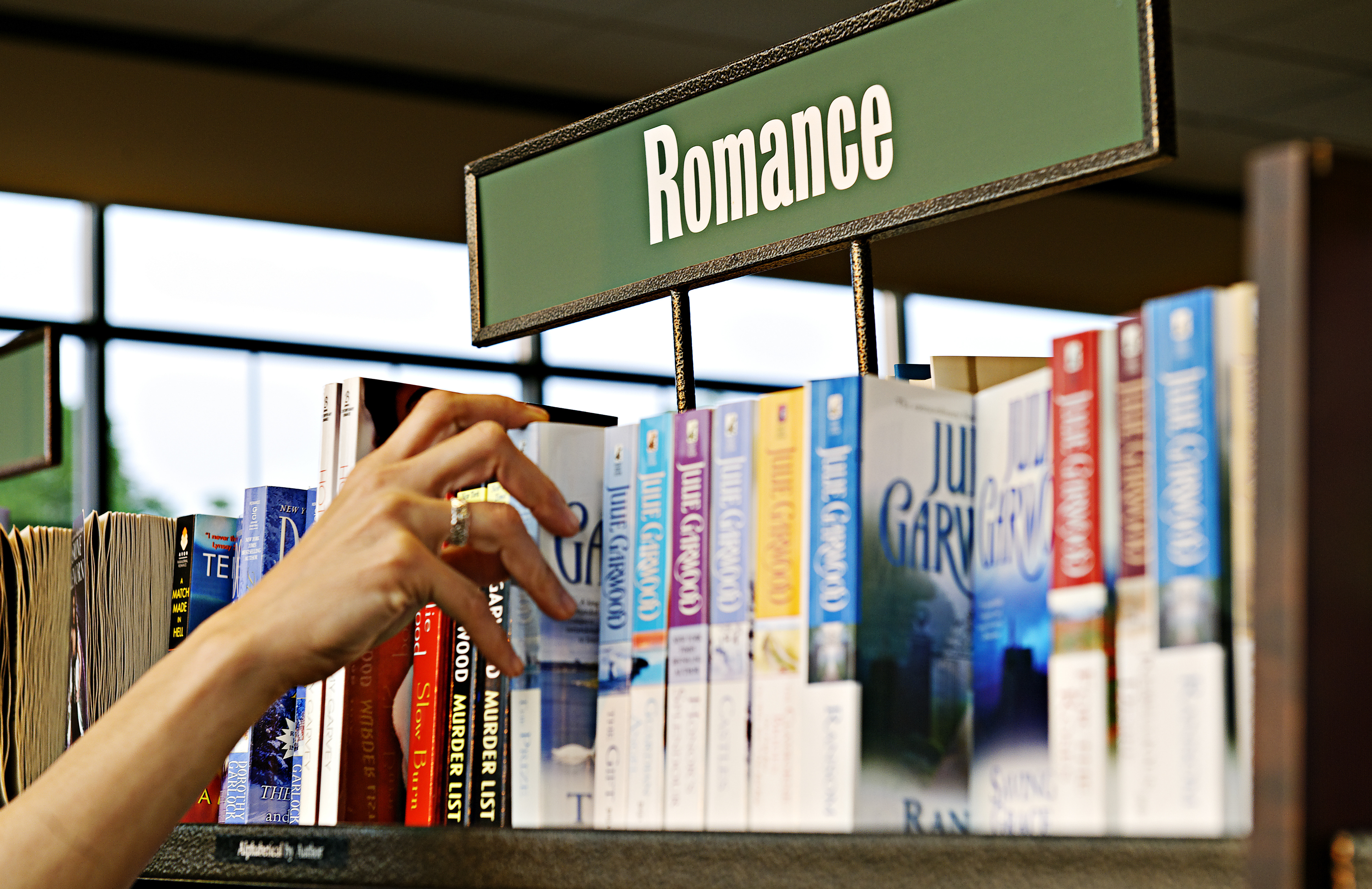 Romance Publishers Pull Out of RWA Conference