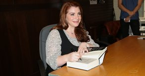 Stephenie Meyer Launches Tour at Drive-In Theater