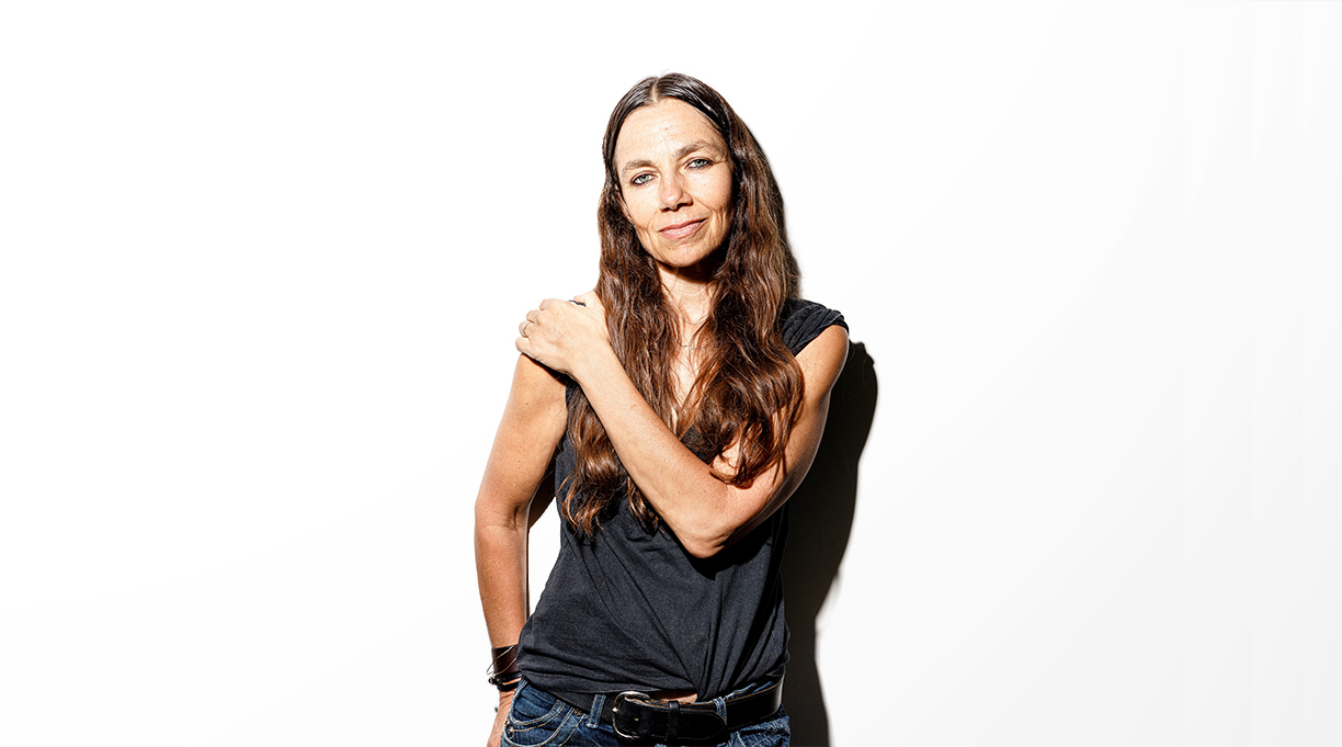 Justine Bateman's Face-Off With Beauty Culture | Kirkus Reviews