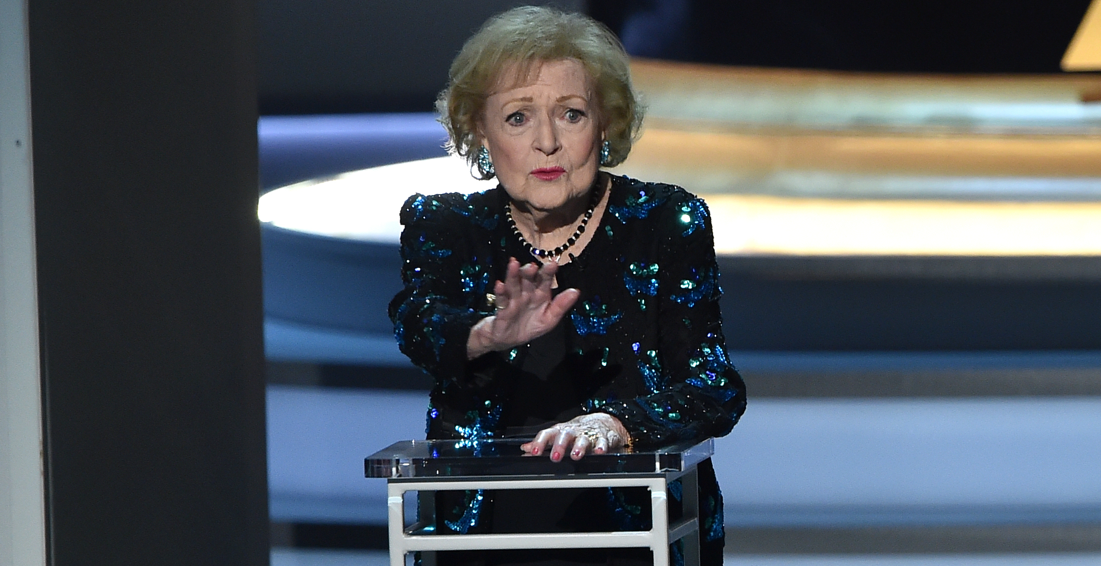 Betty White, Ron Howard, Others Read to Kids