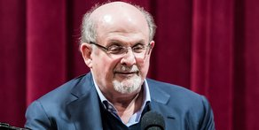 Salman Rushdie Starts Twitter Feud With Critic
