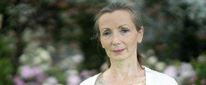 Burns Wins International Dublin Literary Award