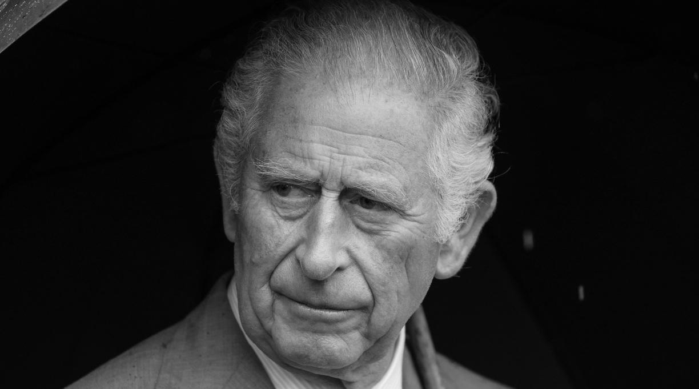 Report: Prince Harry May Aim at His Dad in Memoir