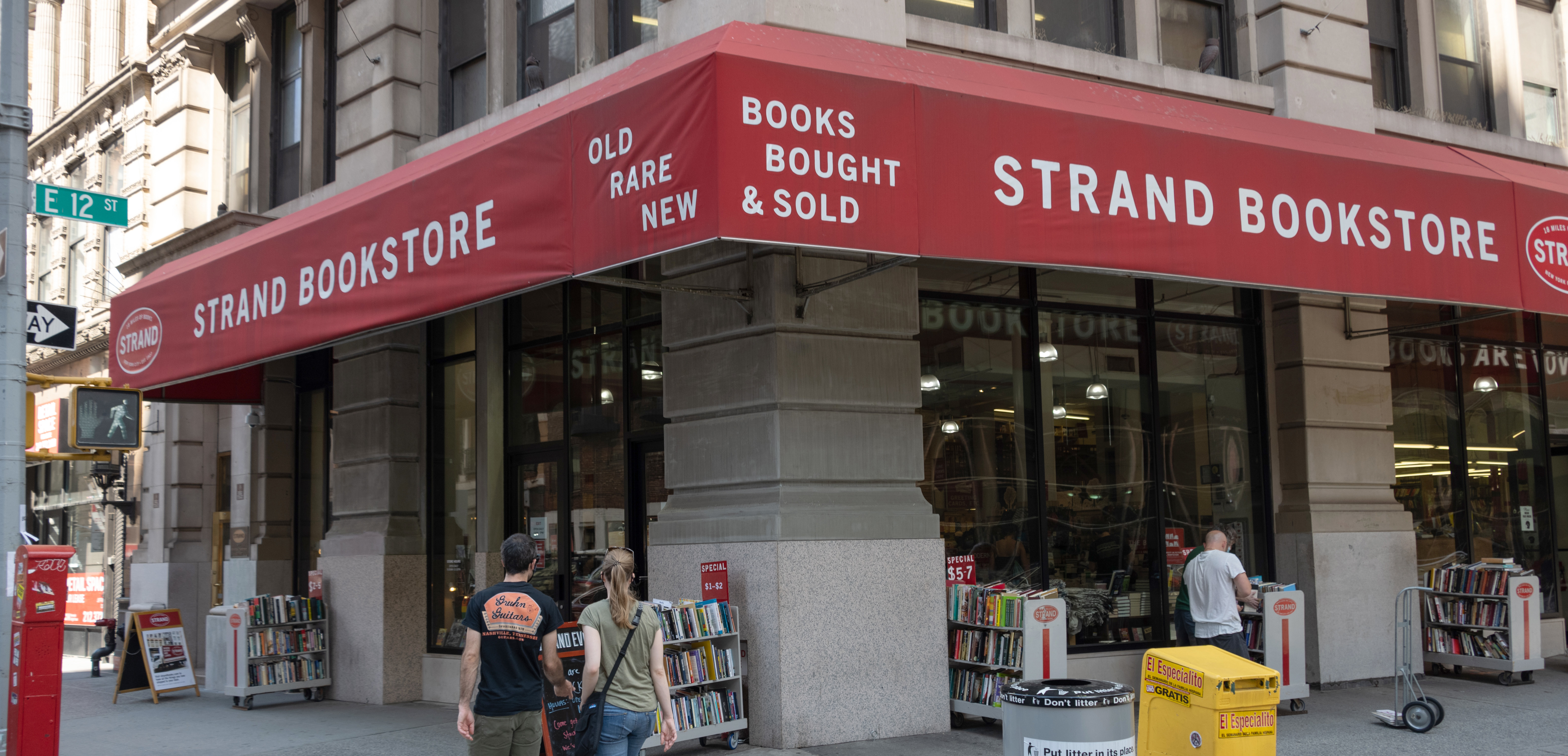 NYC Bookstore The Strand Asks Readers for Help