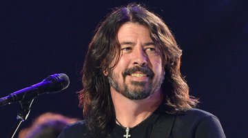 Dave Grohl To Go on Live Tour With New Memoir