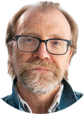 George Saunders Walks Into a Russian Bathhouse…
